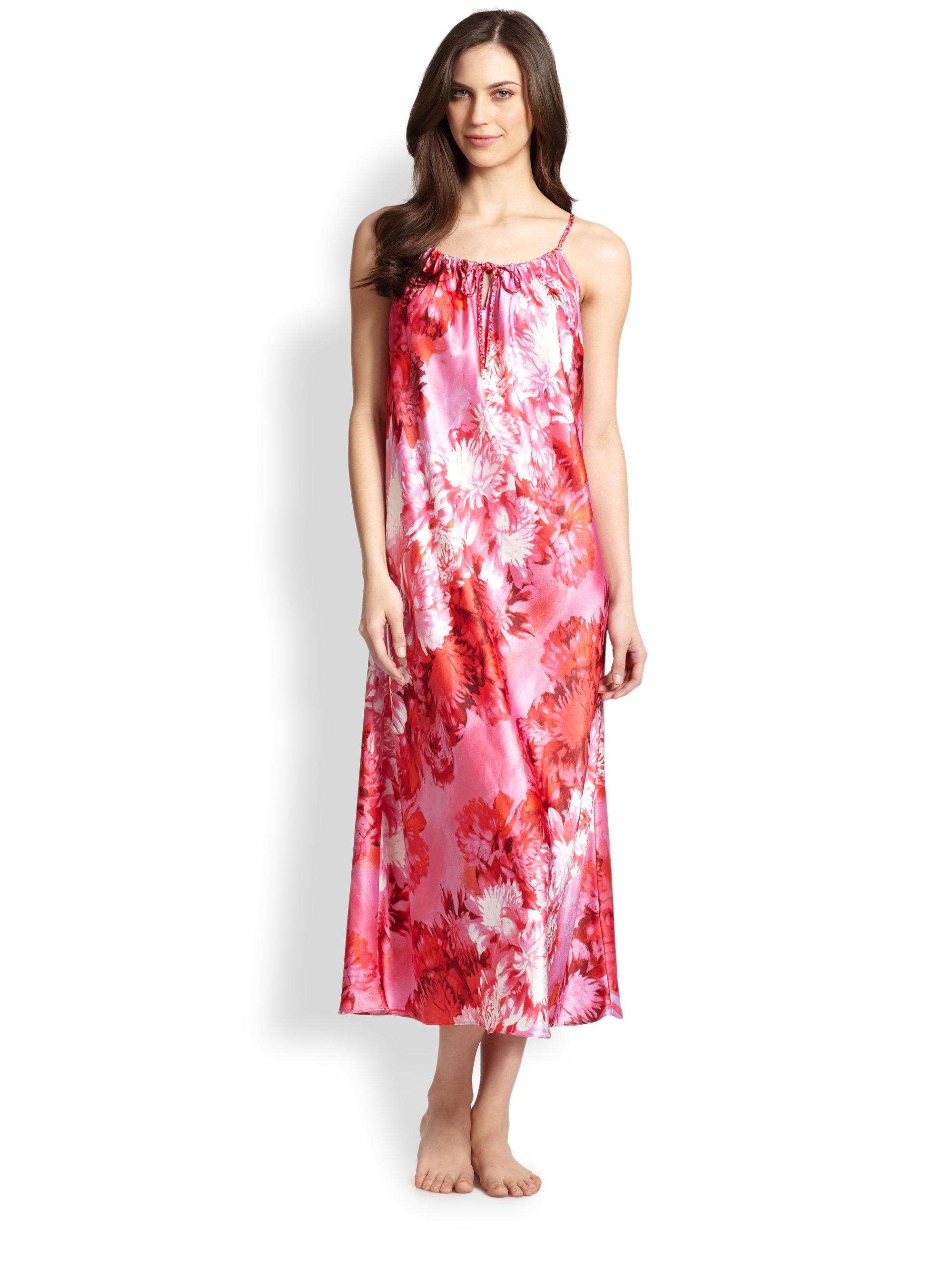 Lyst - Oscar de la Renta Floral-Print Polyester Satin Nightgown in Red 300dc7efc
