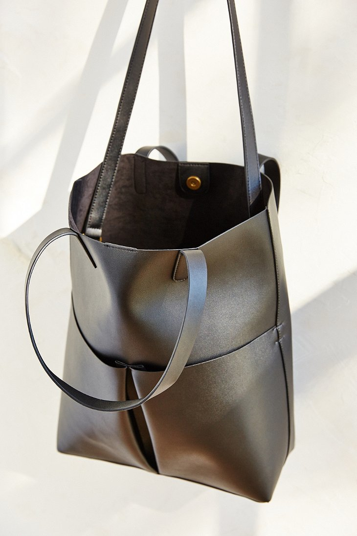 a0d59962e2 Lyst - Silence + Noise Oversized Tote Bag in Black