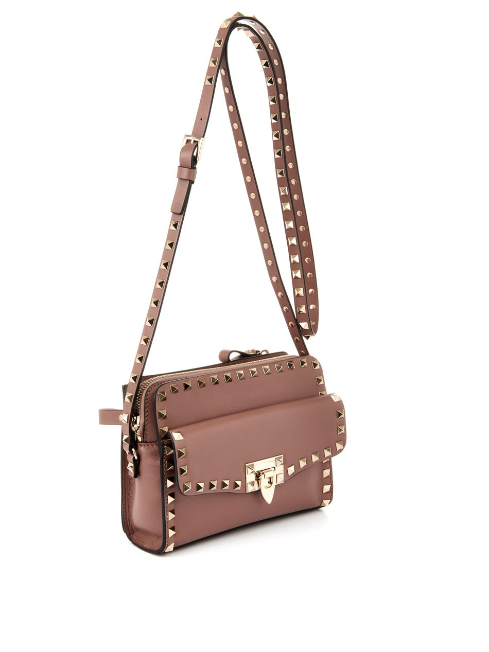 11912a222 Gallery. Previously sold at: MATCHESFASHION.COM · Women's Valentino  Rockstud Bags