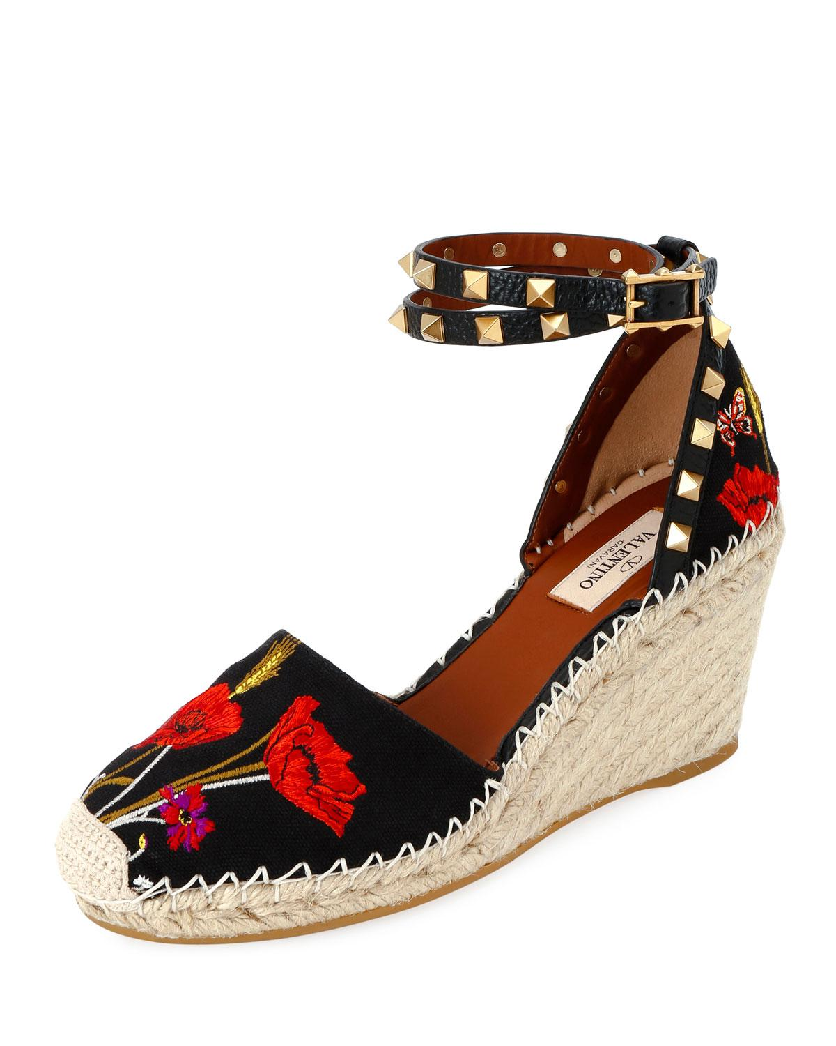 2be106405cc4 Valentino - Black Rockstud Poppy Embroidered Wedge Espadrilles - Lyst. View  fullscreen