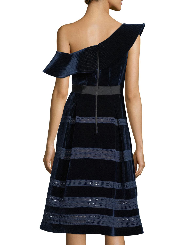 91122151c580 Self-Portrait Off-the-shoulder Velvet Midi Cocktail Dress in Blue - Lyst