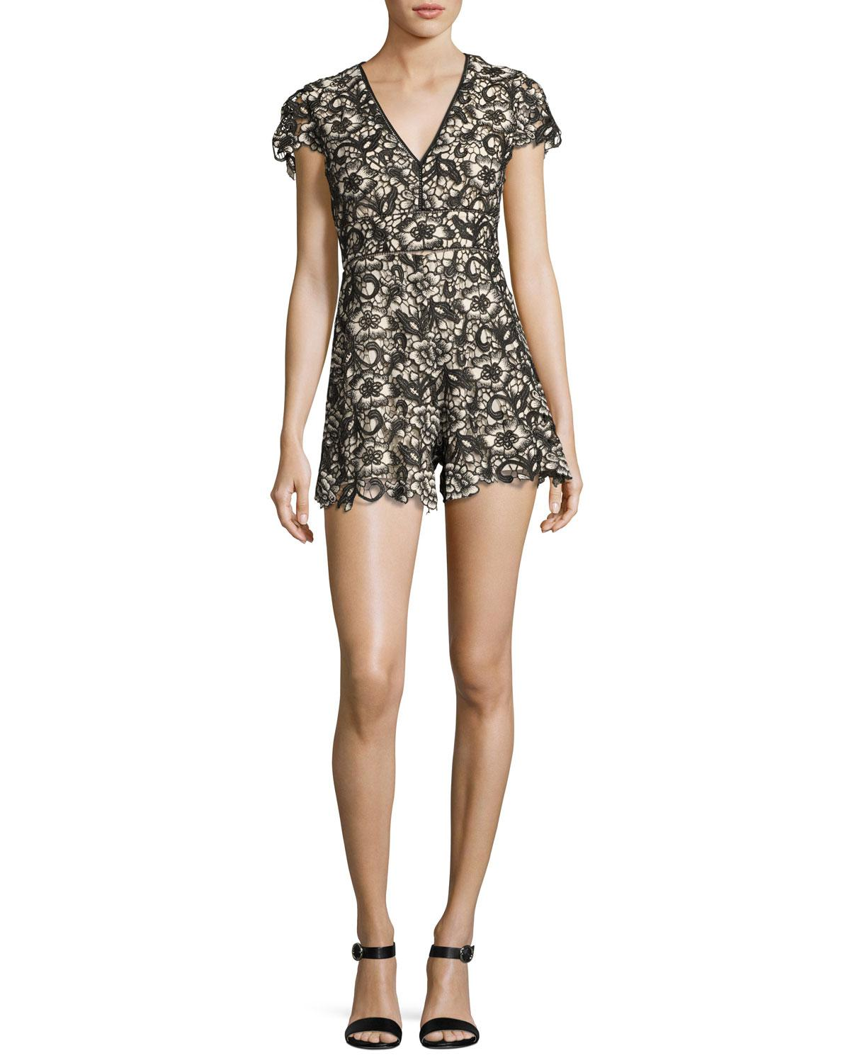 a69986521f Lyst - Alice + Olivia Tinsley V-neck Lace Romper in Black