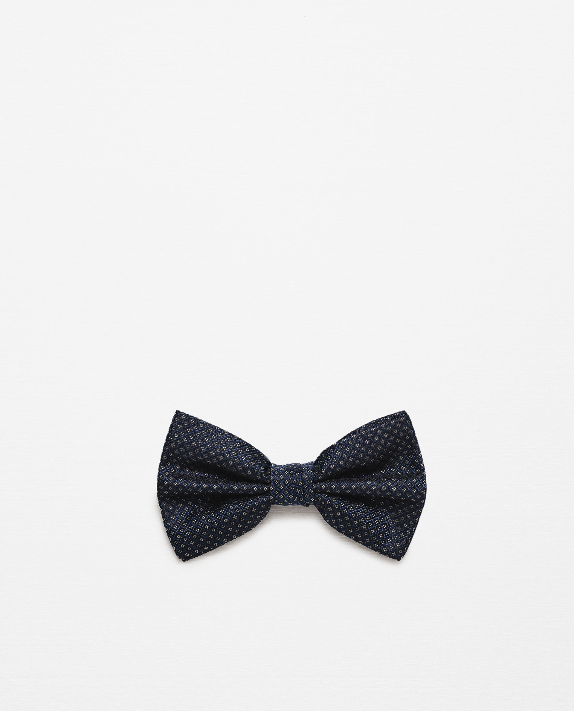 how to draw a bow tie pattern