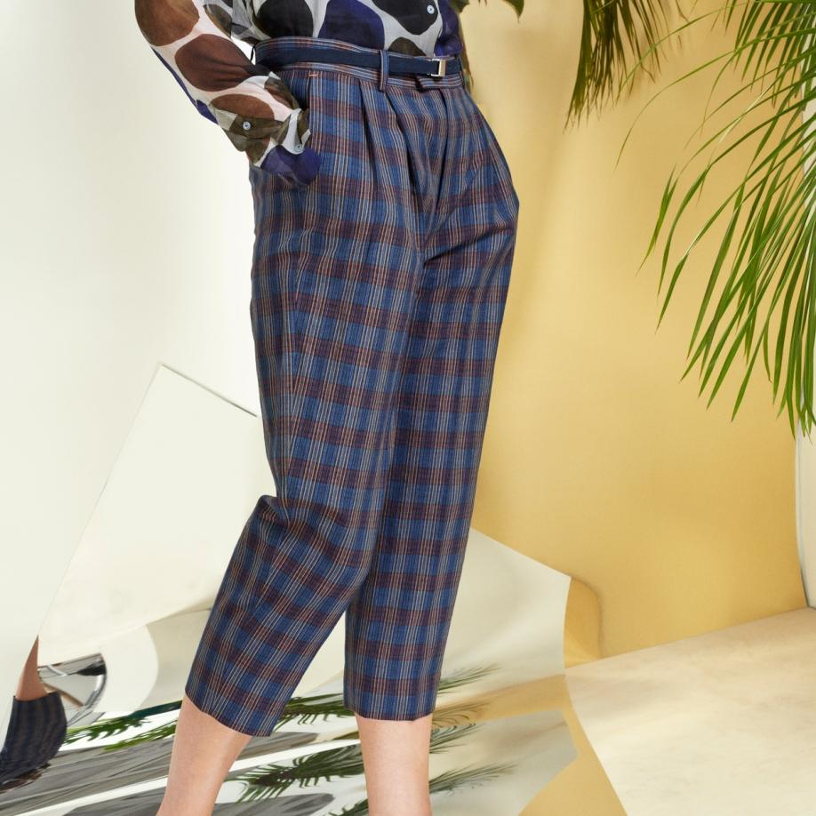 b460200fb5a Lyst - Paul Smith Women s Checked Pleat-front Cotton-linen Trousers ...