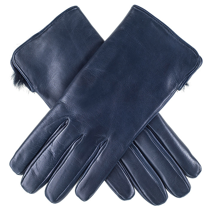 These warm winter snow gloves have duradry insulation and water repellent exteriors. They are perfect for skiing, snowboarding, or just staying warm on those cold winter days!Womens.