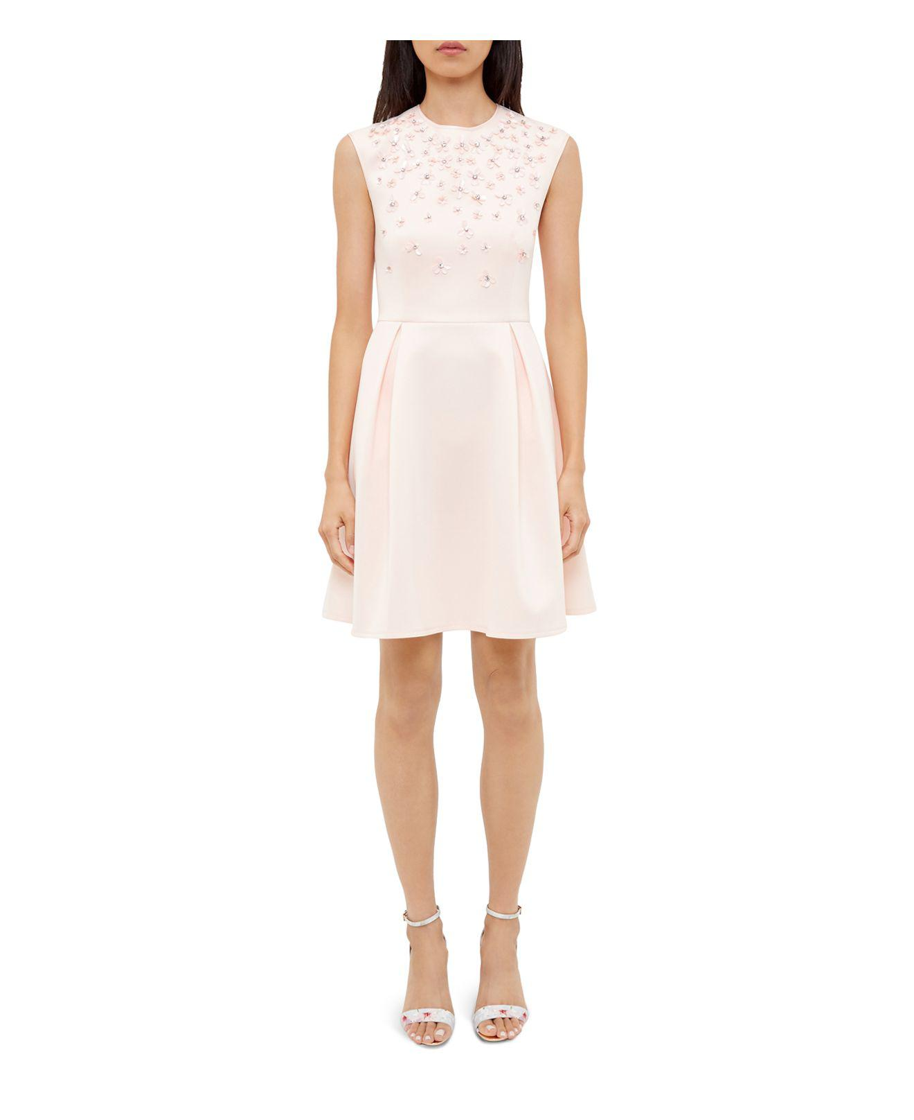 13c4104f939bf Gallery. Previously sold at  Bloomingdale s · Women s Skater Dresses ...