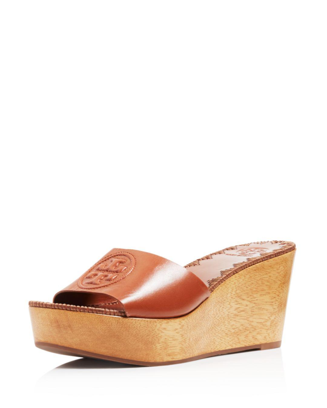 9d90a426c6d6 Tory Burch Women s Patty Leather Platform Wedge Slide Sandals - Lyst