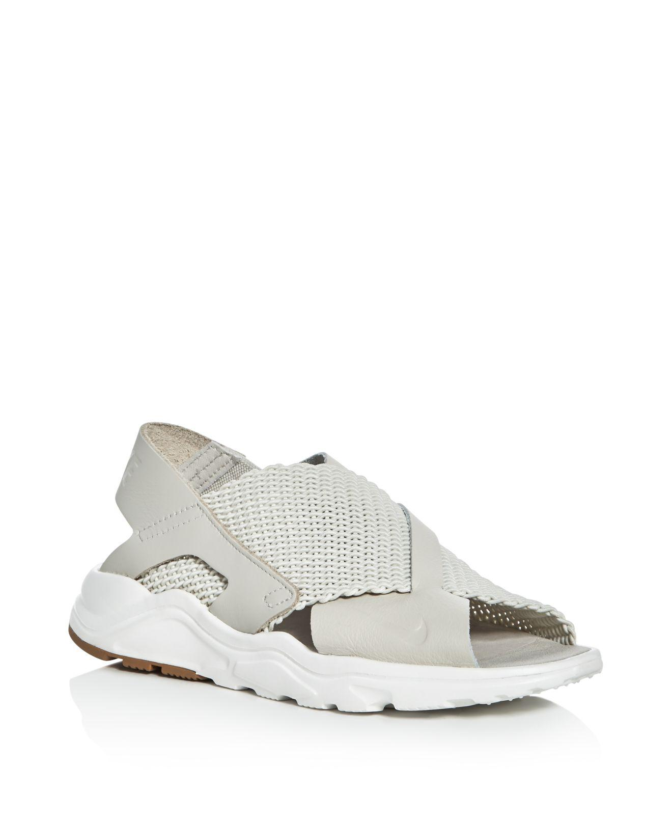 e7935944a077 Gallery. Previously sold at  Bloomingdale s · Women s Nike Air Huarache ...
