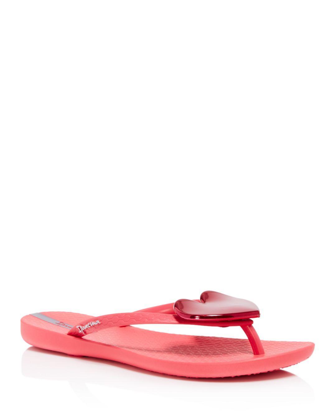 f4e67546b Ipanema Women s Wave Heart Flip-flops in Pink - Lyst