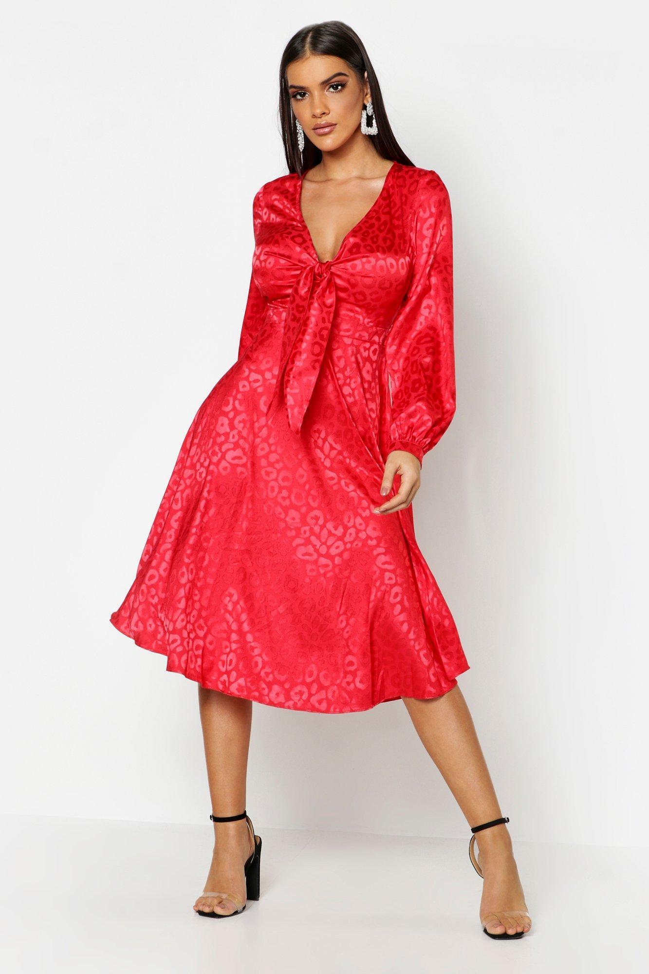 f517b9ed634e Lyst - Boohoo Knot Front Flared Sleeve Jacquard Midi Dress in Red