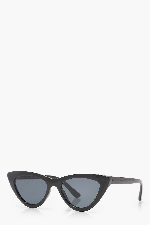 387586c685 Boohoo - Black Slim Extreme Cat Eye Sunglasses - Lyst. View fullscreen
