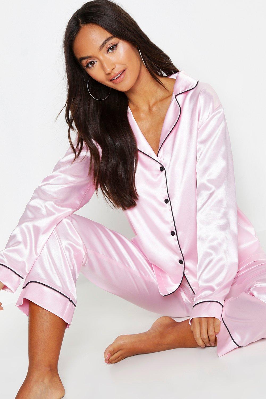 03a38c4246ff Boohoo - Pink Sleepover Club Long Sleeve Satin Pj Shirt Set - Lyst. View  fullscreen