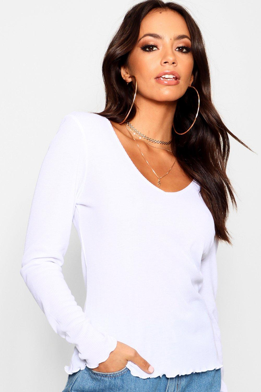 e2211ca54c4c0a Boohoo Long Sleeve V Neck Lettuce Hem Top in White - Lyst