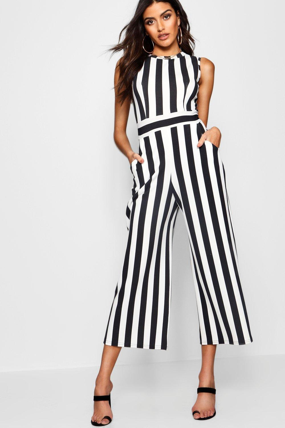 Boohoo Porcelain Sqaure Neck Flare Jumpsuit Low Price Outlet For Cheap Cheap Sale New Arrival waGh72e