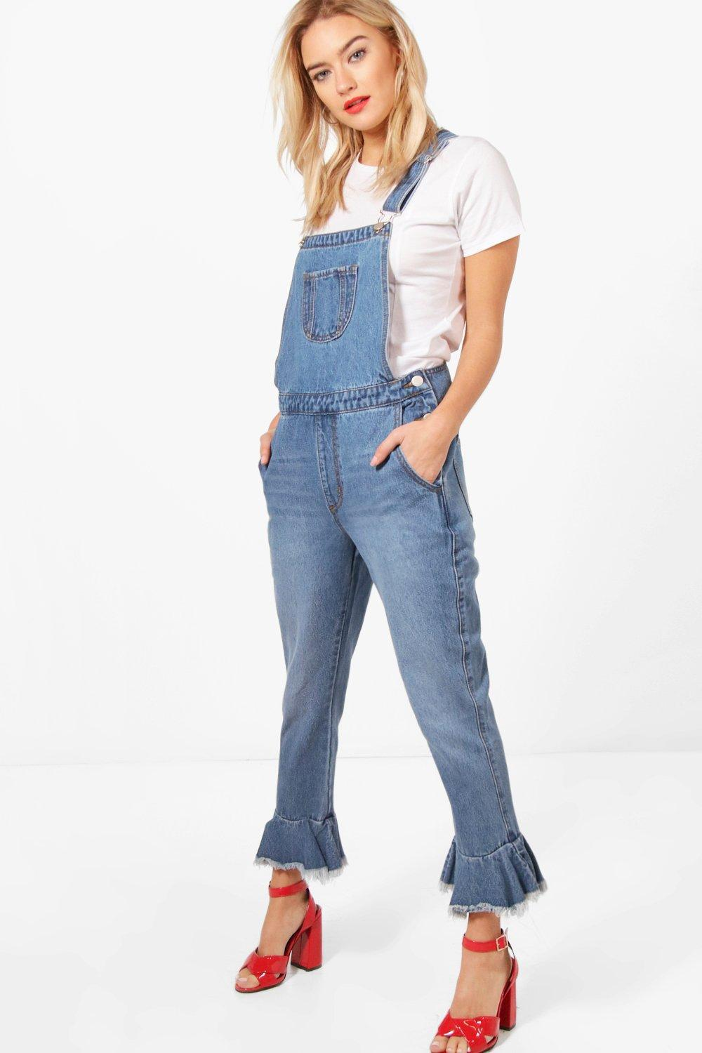 058bf5101acb6b Lyst - Boohoo Cropped Ruffle Hem Denim Dungarees in Blue