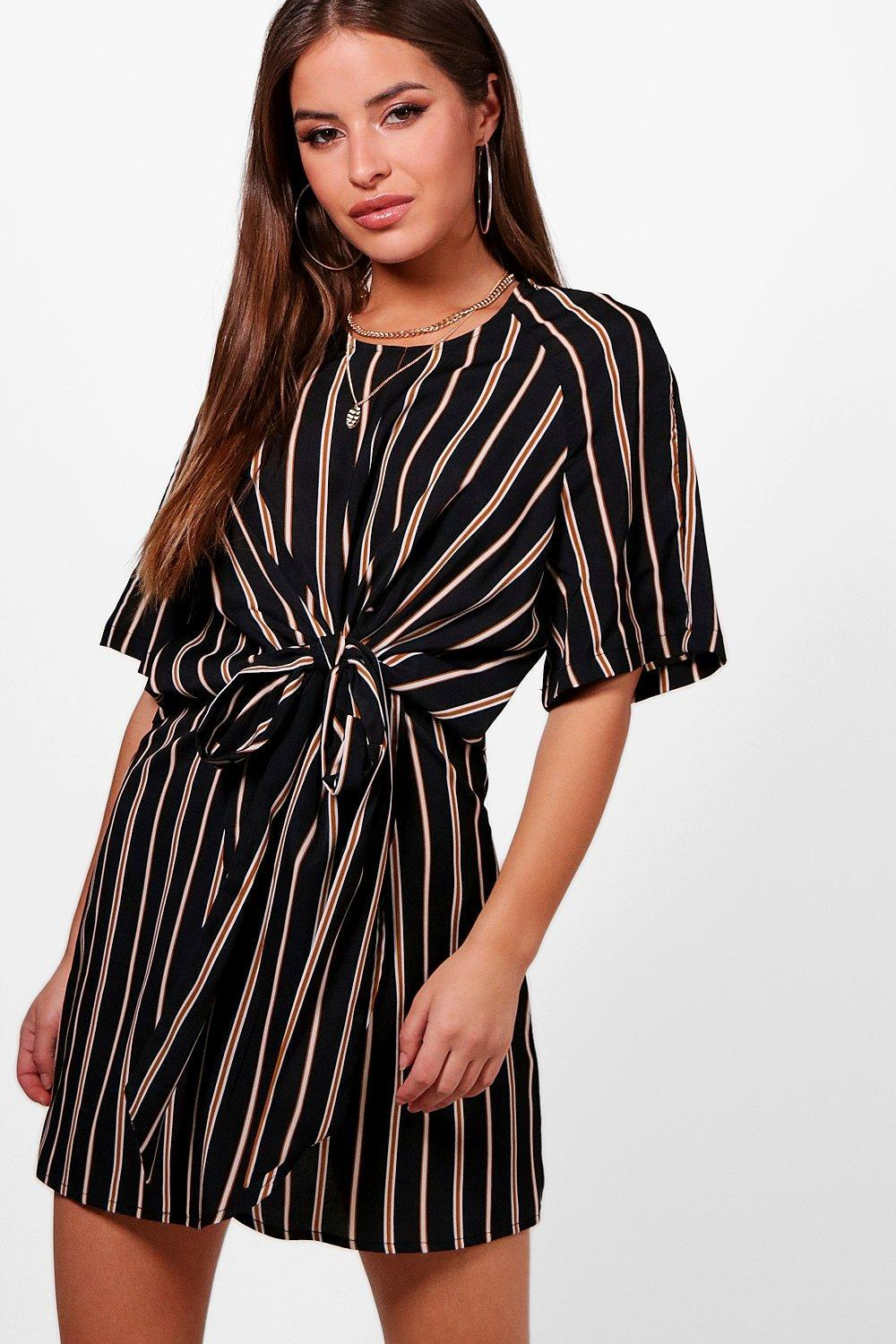 bf00c0c88458 Gallery. Previously sold at: Boohoo · Women's Wrap Dresses