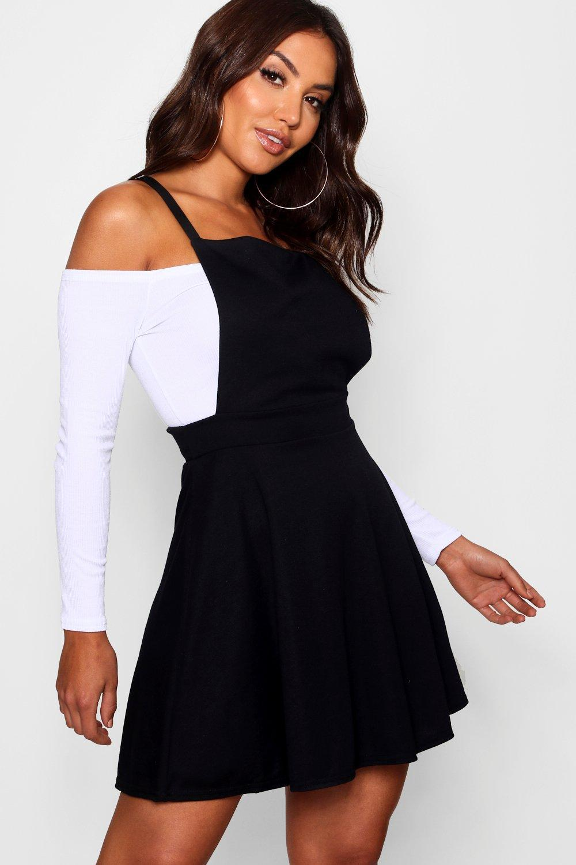 4274988414 Boohoo Cross Back Pinafore Dress in Black - Lyst