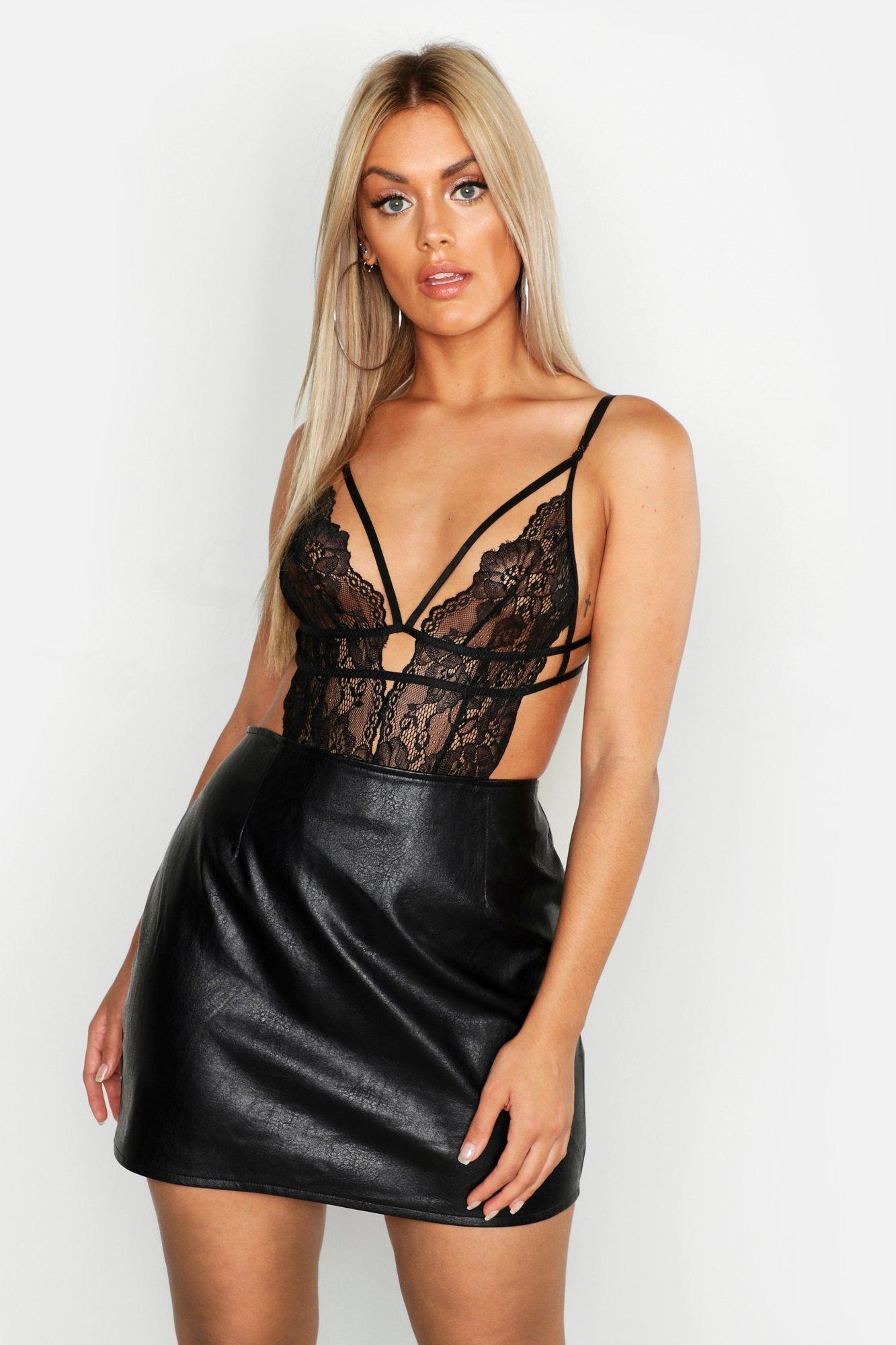 486d56481ec0 Boohoo Plus Lace Strappy Plunge Bodysuit in Black - Lyst