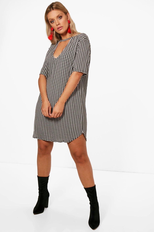 Lyst - Boohoo Plus Una Dogtooth Printed Choker Shift Dress in Black d4b4f7723