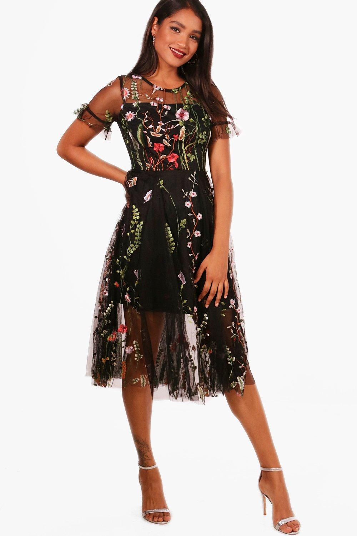 fd896c6b8e Boohoo Boutique Bea Embroidered Midi Skater Dress in Black - Lyst