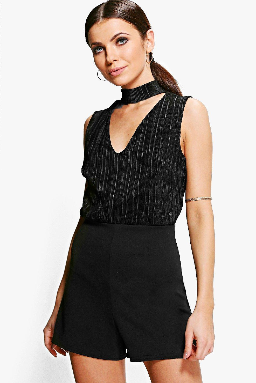 Plus Size & Curve Playsuits and Jumpsuits All in one is the new to go! Check out our selection of plus size jumpsuits. Classy and dressed up or very casual and easy going, there's a style for you!