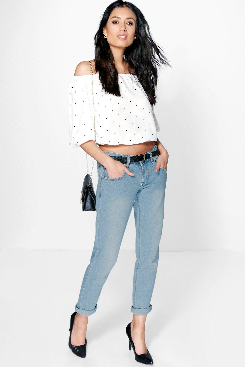 lyst boohoo lilly low rise light wash boyfriend jeans in blue. Black Bedroom Furniture Sets. Home Design Ideas