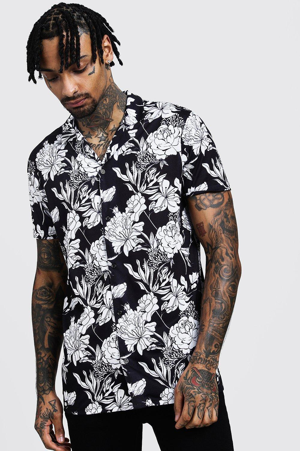 dbed4281 BoohooMAN Mono Floral Print Short Sleeve Revere Shirt in Black for ...