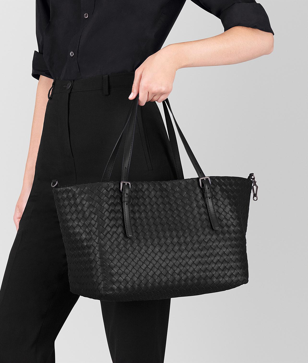 7e7082fe446c Bottega Veneta Medium Tote Bag In Nero Intrecciato Nappa in Black - Lyst