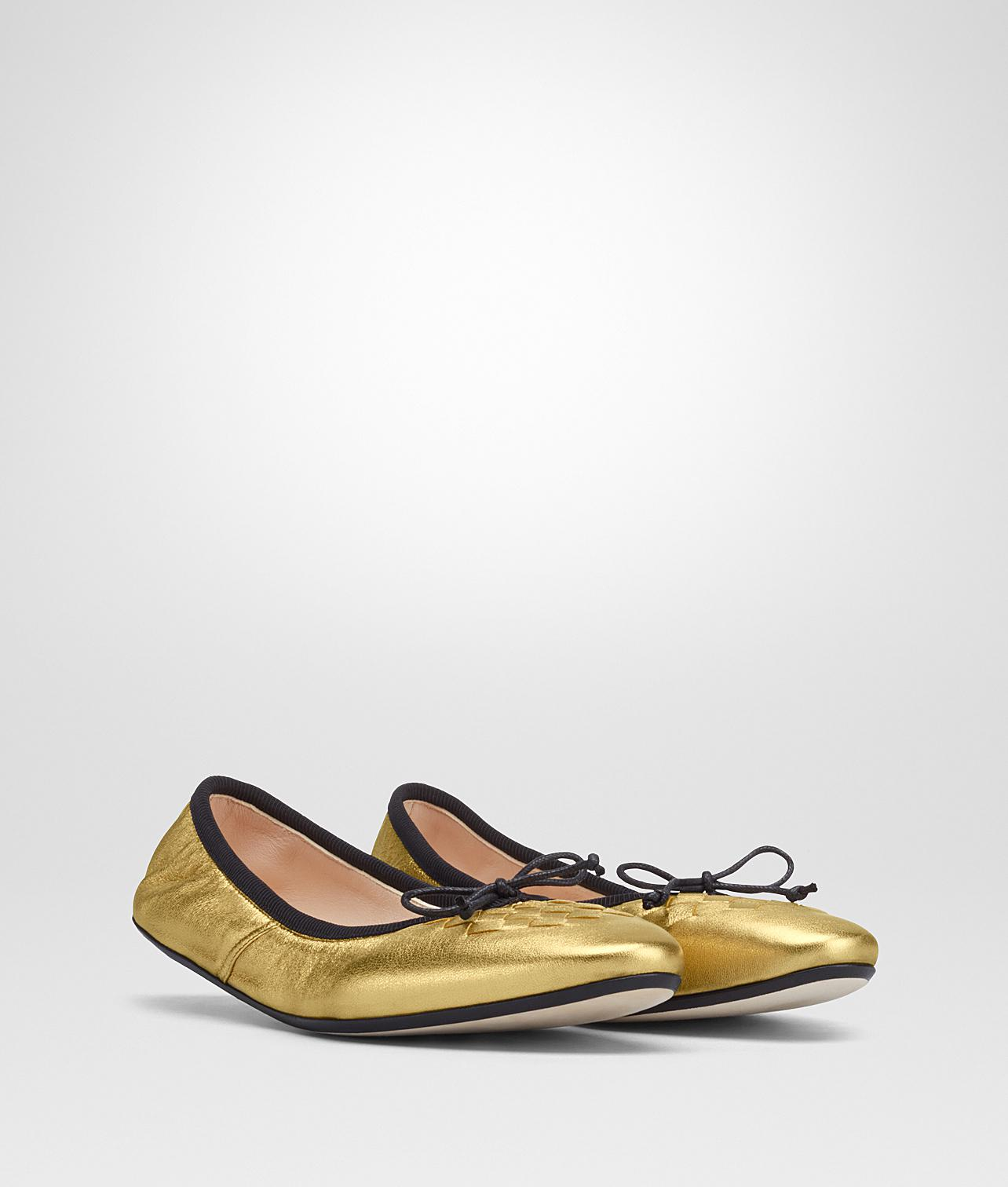 light gold Intrecciato nappa lame picnic ballerina - Metallic Bottega Veneta