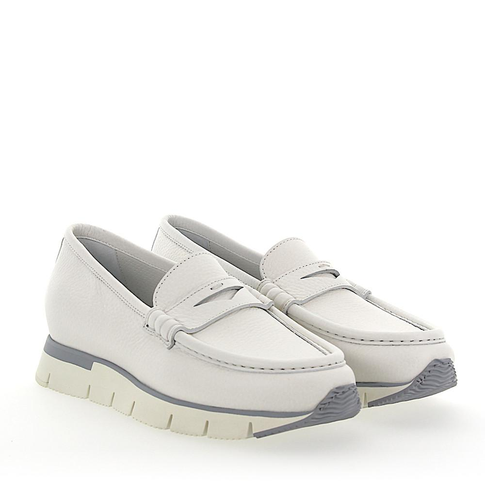 979dbe820f1 Lyst - Santoni Penny Loafer 60183 Plateau Leather White in White