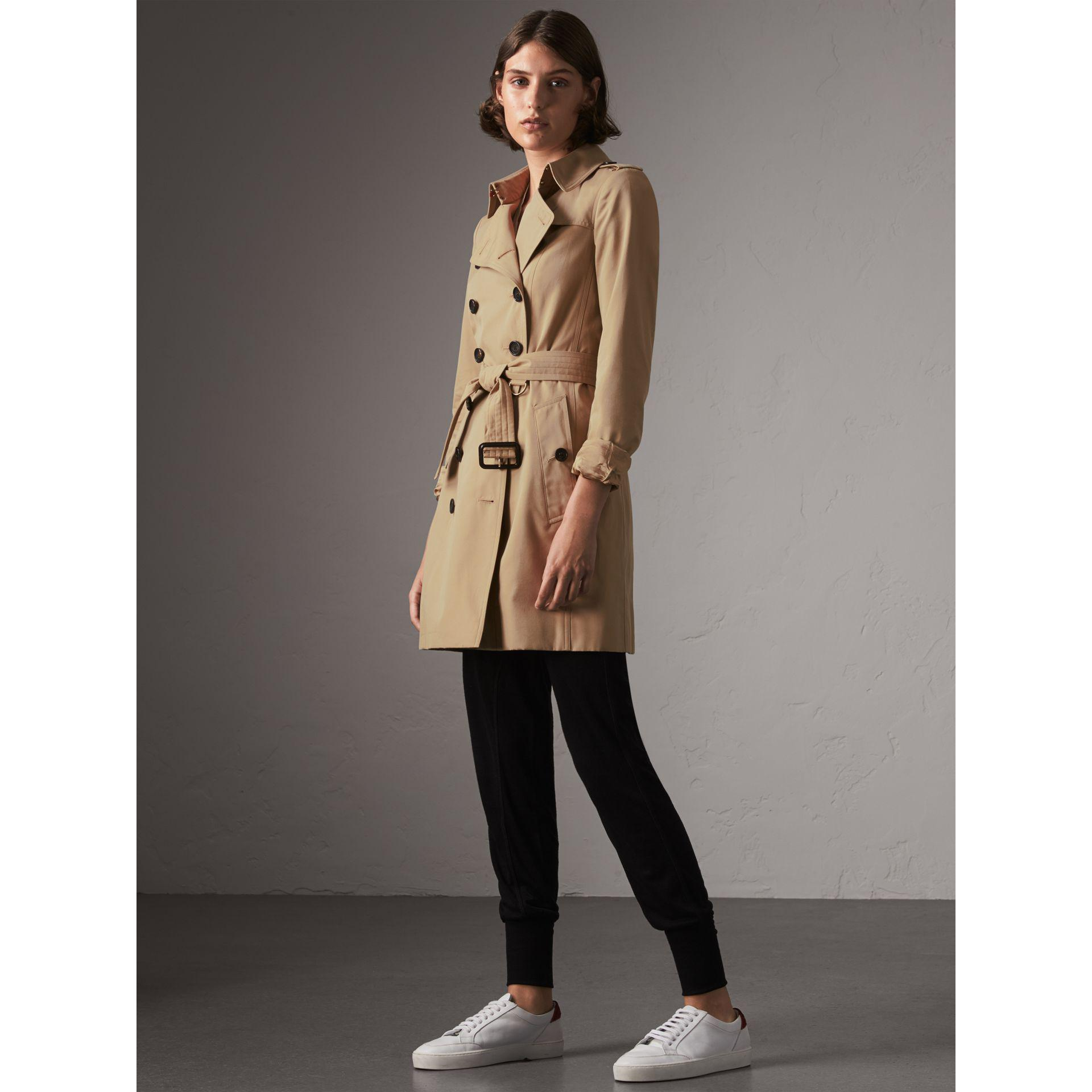 Burberry The Chelsea mid-length trench coat Recommend Online Cheap Wiki 3bB9PxFAc