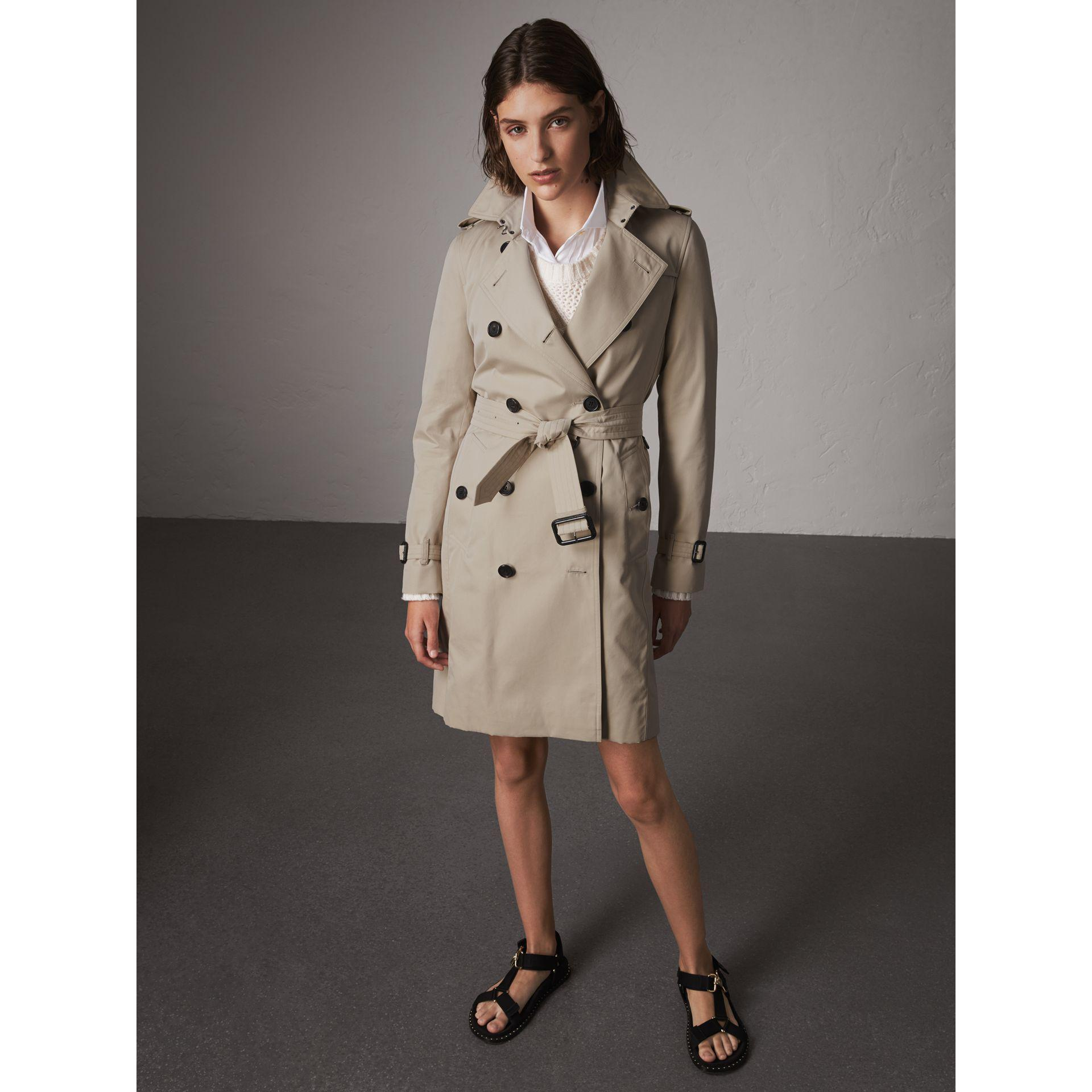 Lyst - Burberry The Kensington – Long Heritage Trench Coat Stone 3fd925d91e4