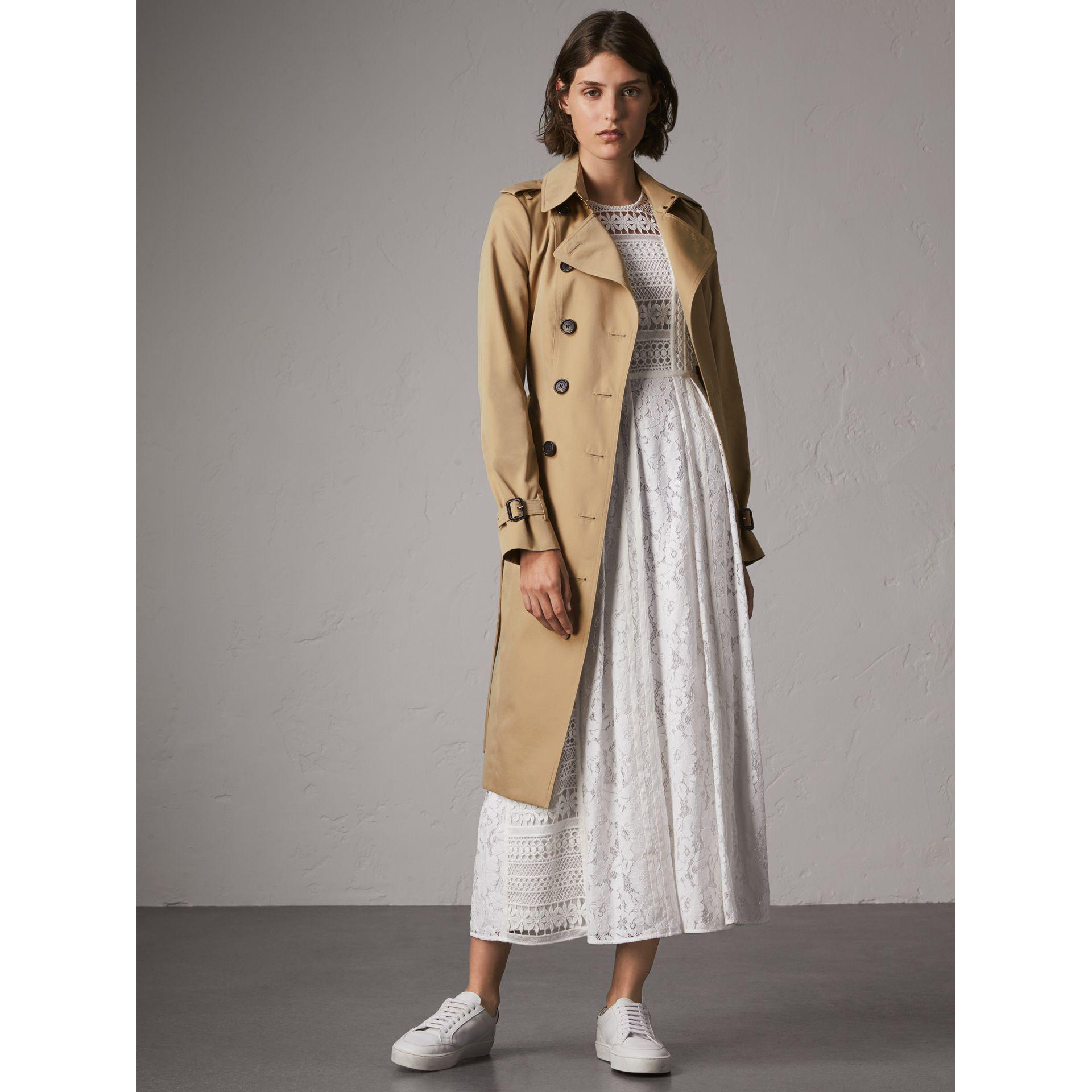 34f69a4a080e Lyst - Burberry The Sandringham – Extra-long Heritage Trench Coat ...