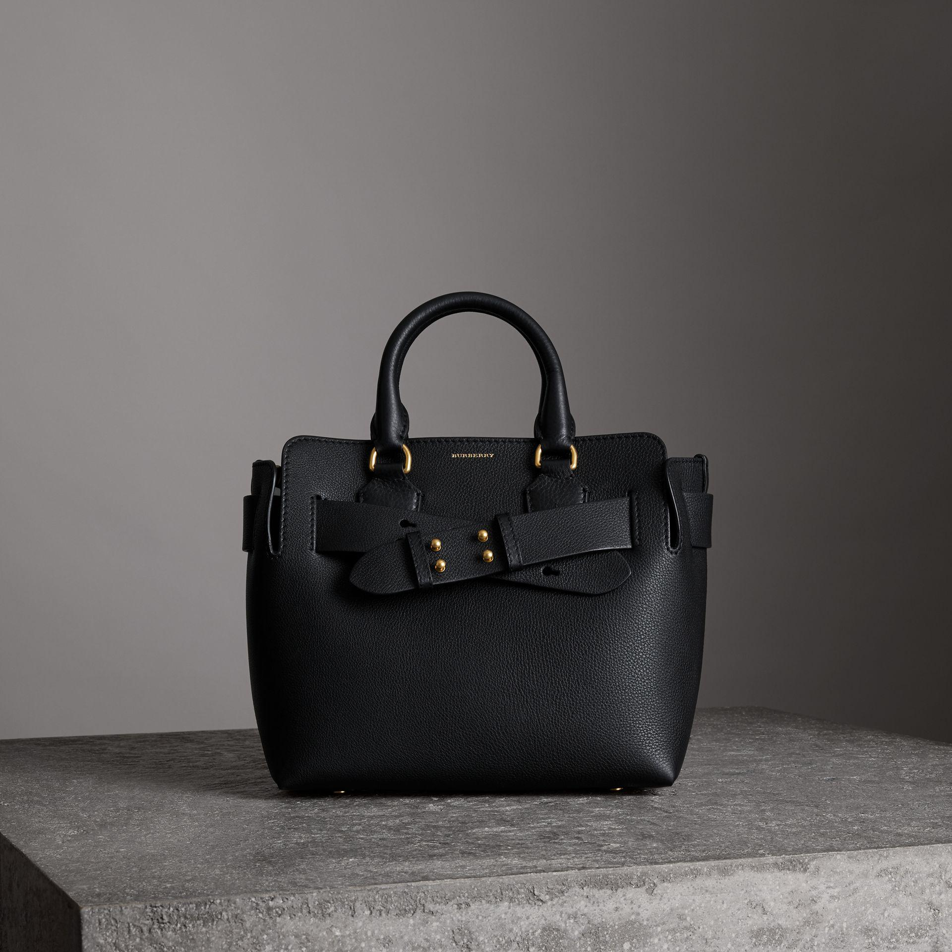 The Satchel Large Square Bag in Black Goatskin Burberry 87rM7OxZyb