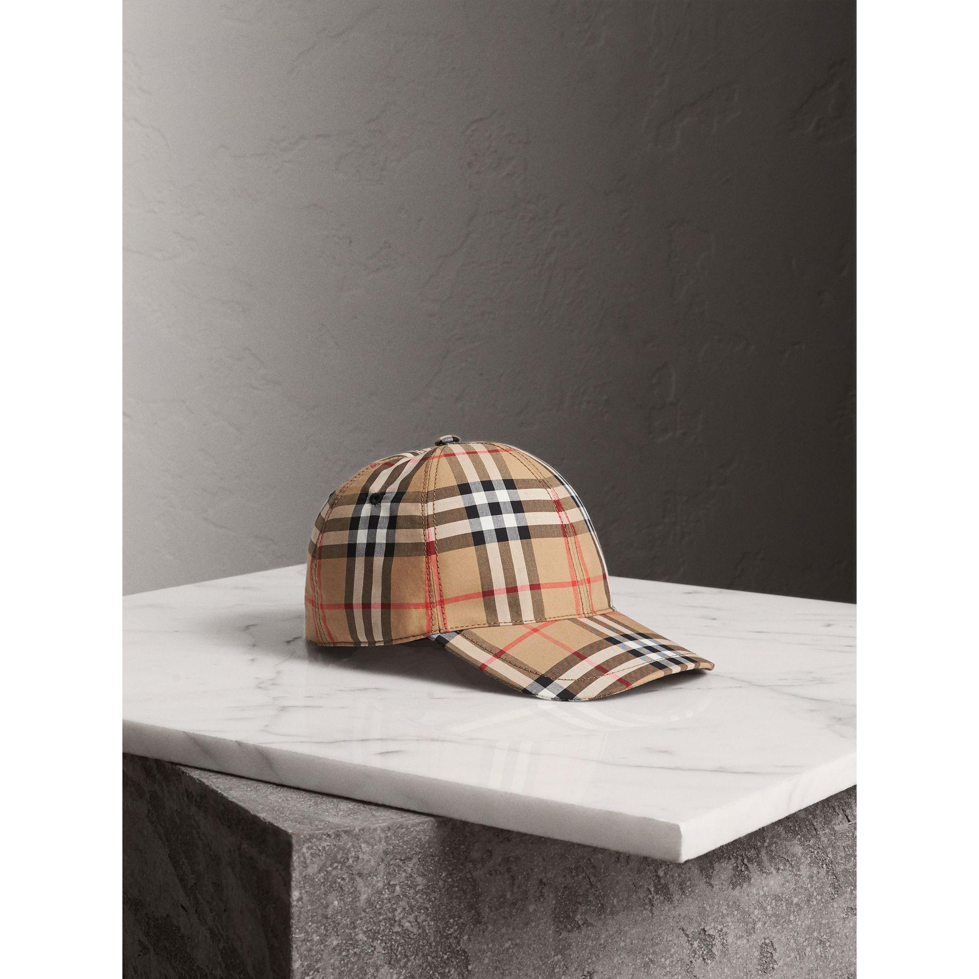 052eece27bdde0 Burberry Vintage Check Baseball Cap - Lyst