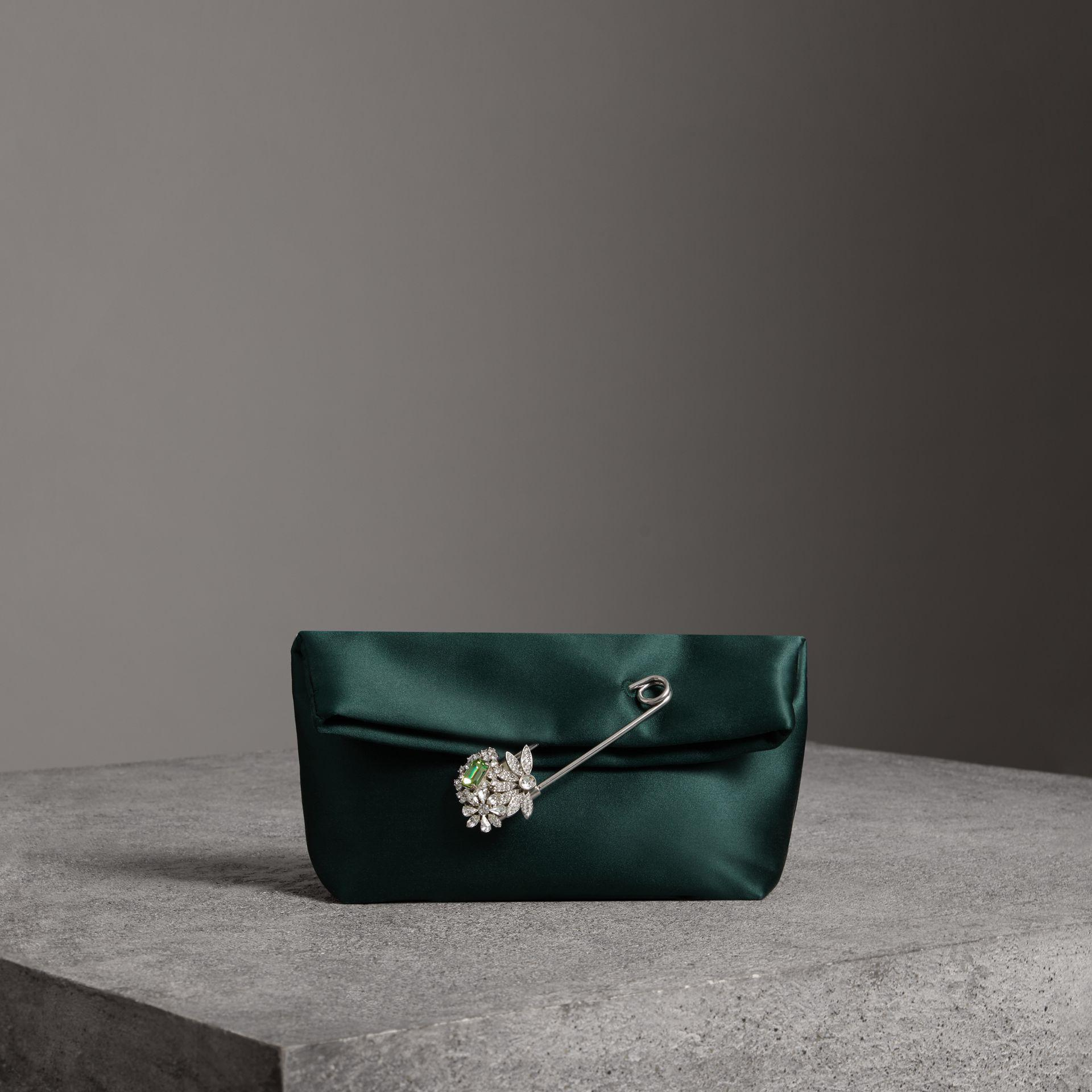 The Small Pin Clutch in Satin - Green Burberry LXDG9RB