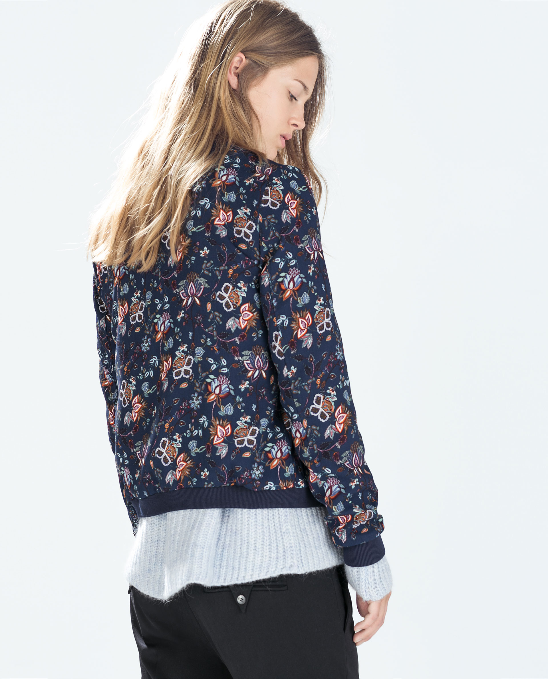 Cover up this season with our new Berrie floral bomber jacket! Available in UK sizes
