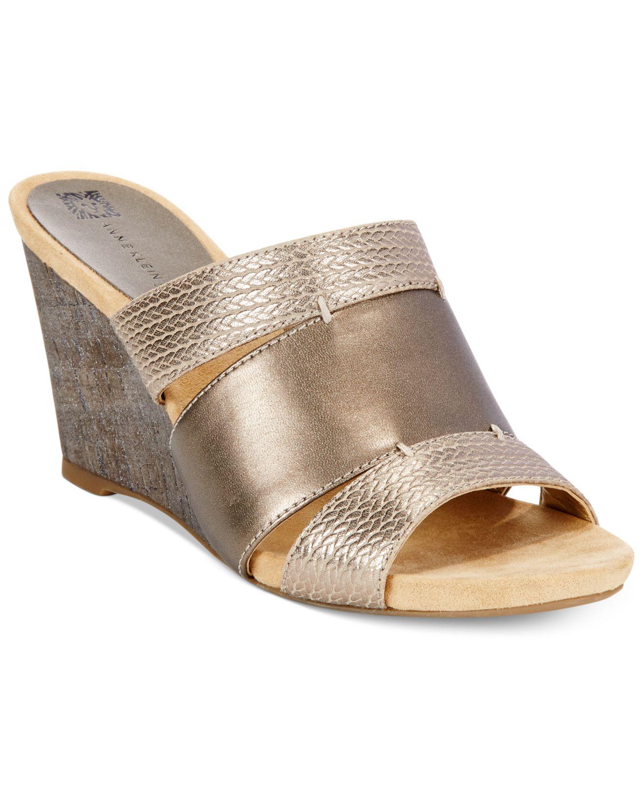 3c70ef59505 Lyst - Anne Klein Loopy Wedge Sandals in Metallic