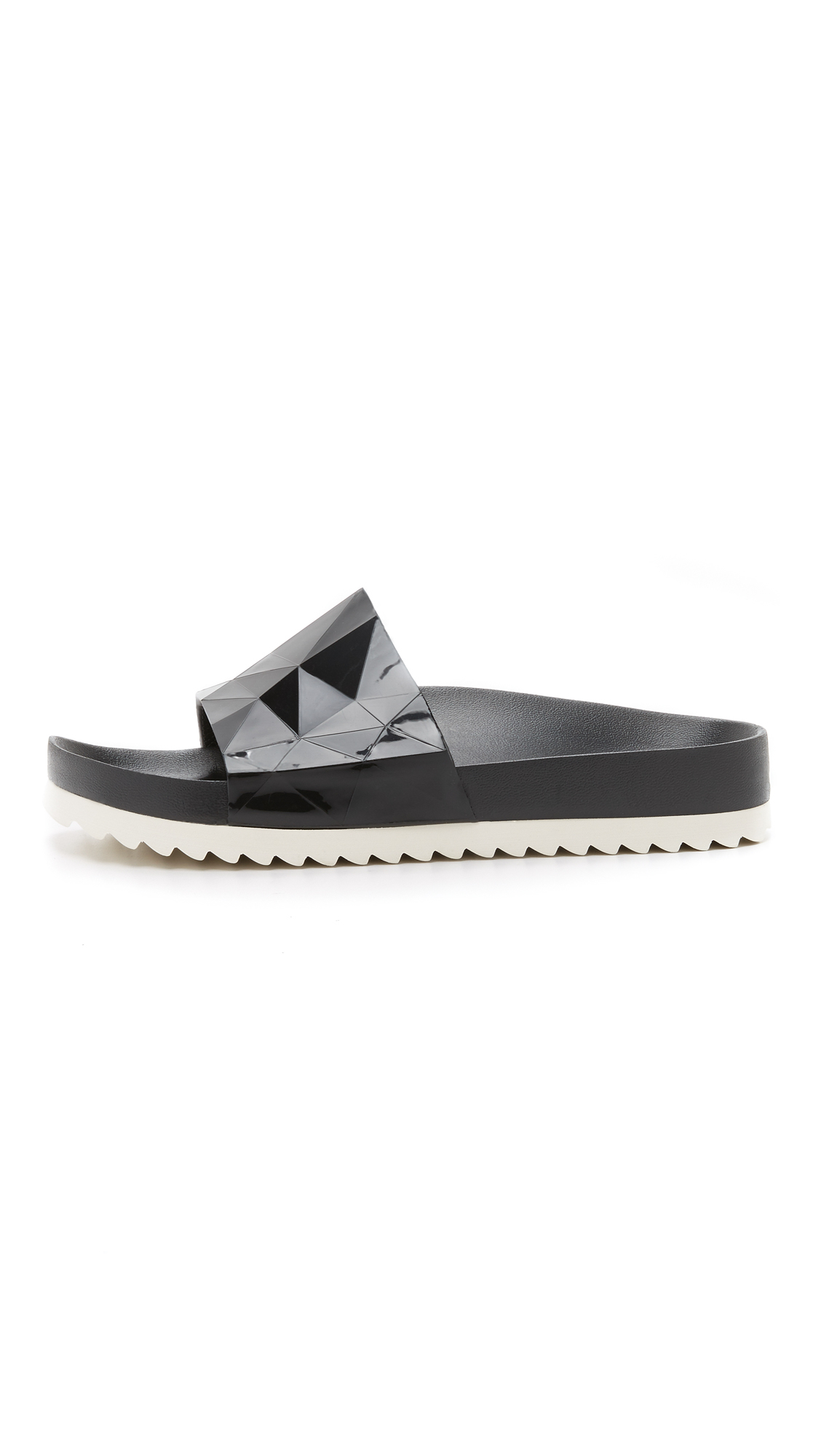 Black earth sandals - Gallery