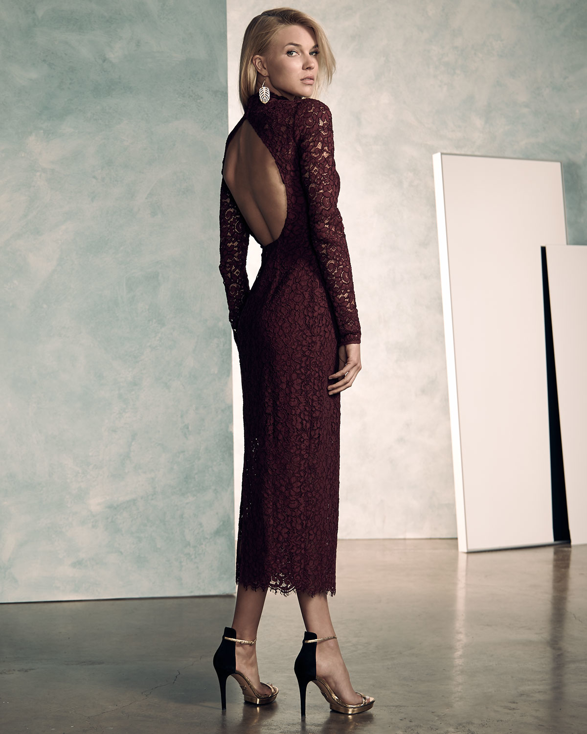 Lyst - Monique lhuillier Long-sleeve Lace Midi Cocktail Dress in Red
