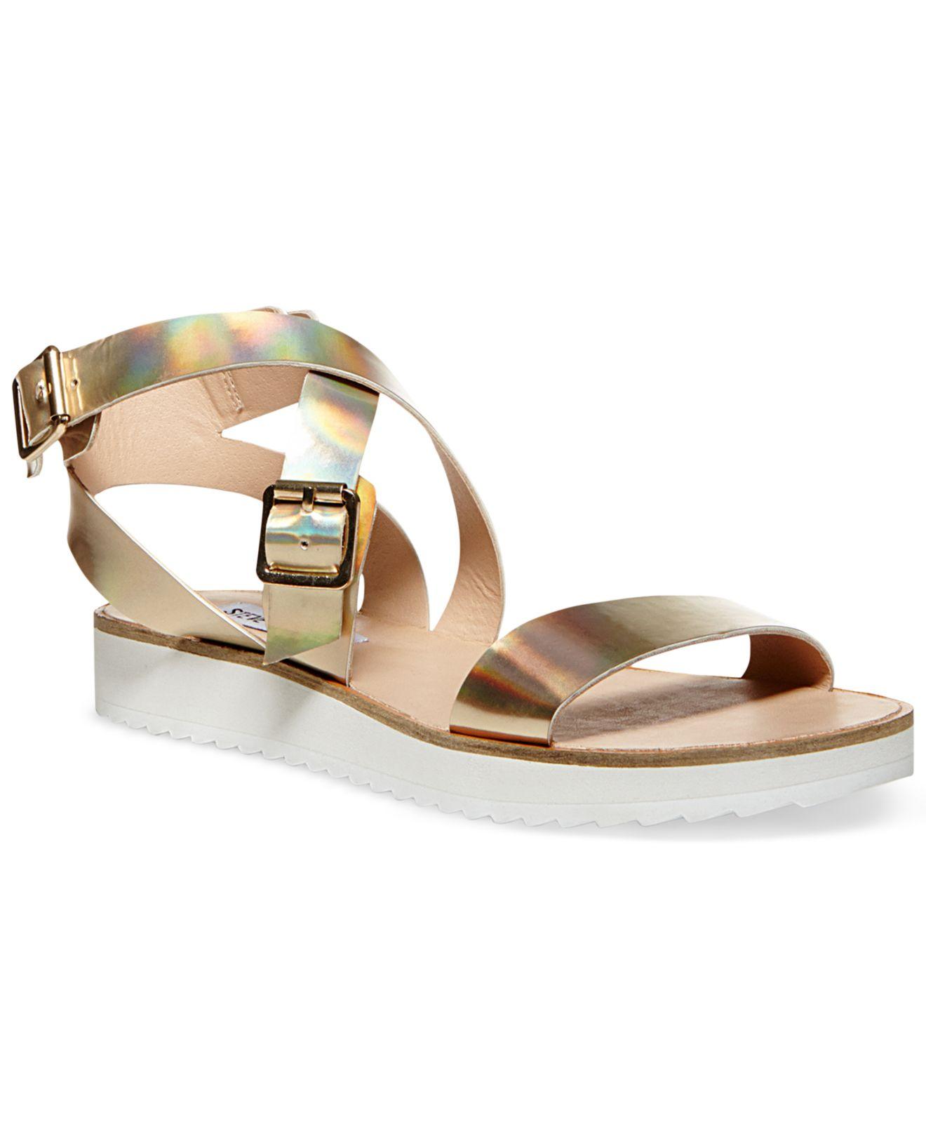 4046ecca539 Lyst - Steve Madden Mellow Flatform Sandals in Metallic
