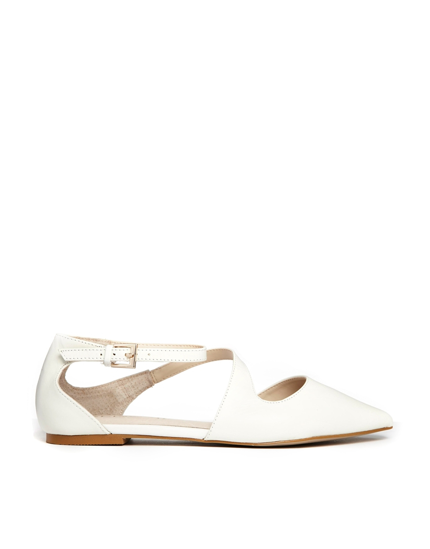 2f94236b3c1 Lyst - ALDO Flat Pointed White Asymmetric Flat Shoes in White