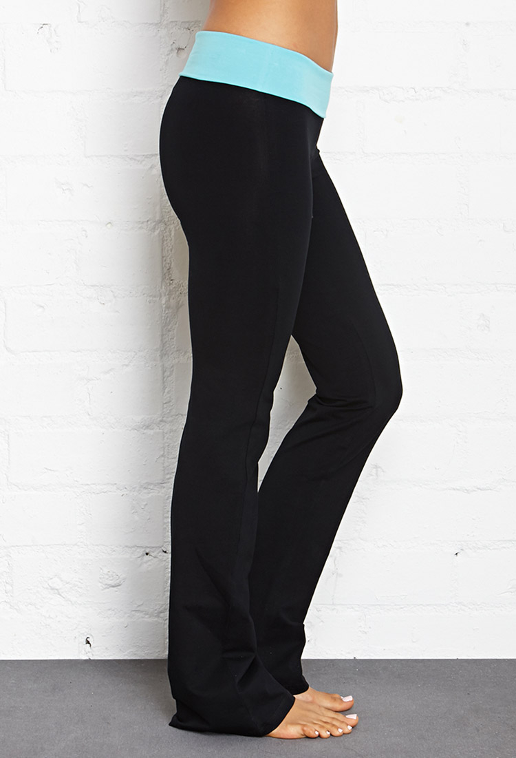 e62c43056365cc Forever 21 Fit & Flare Fold-Over Yoga Pants in Black - Lyst