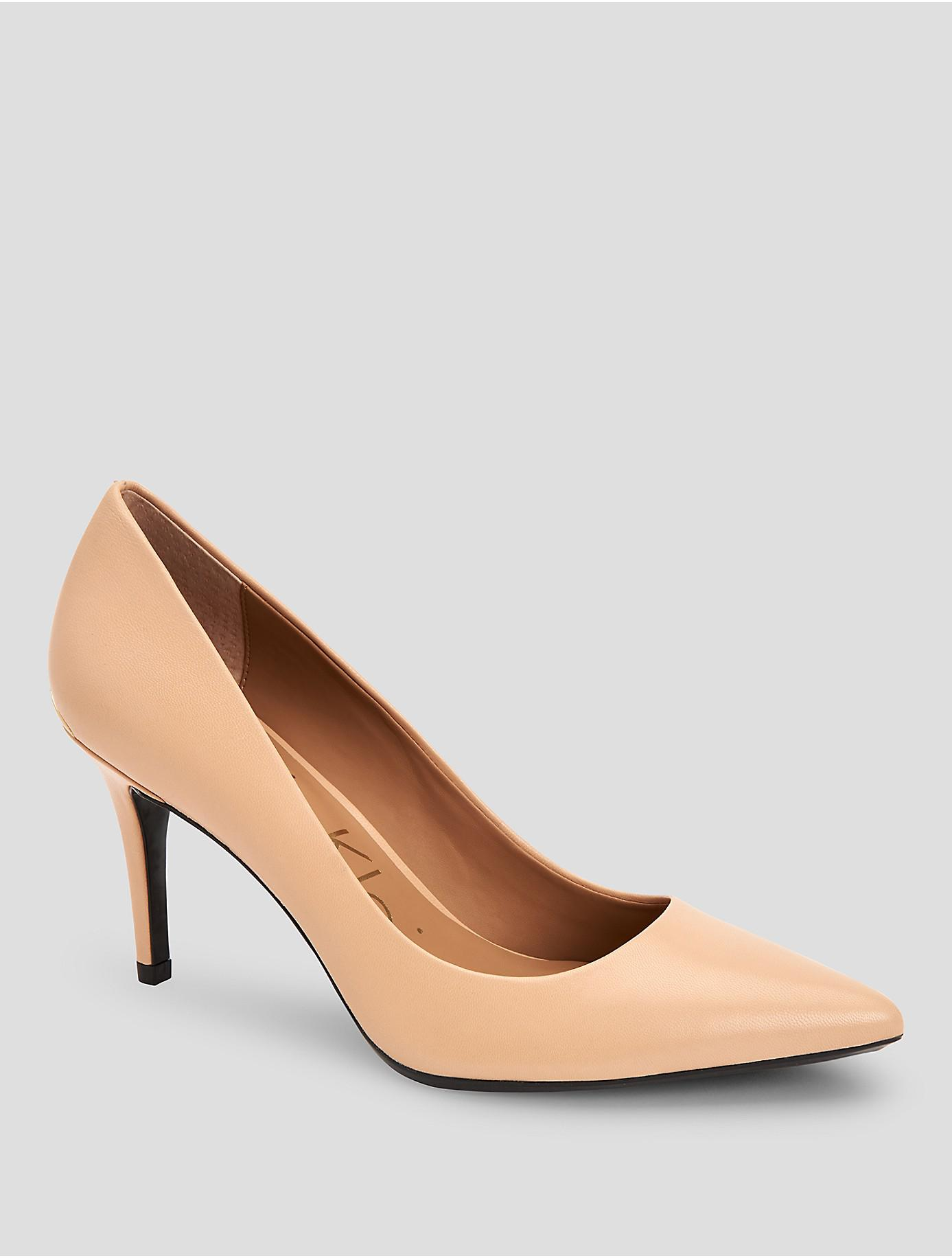 c7bba0efd0 Lyst - Calvin Klein Gayle Leather Pump in Natural