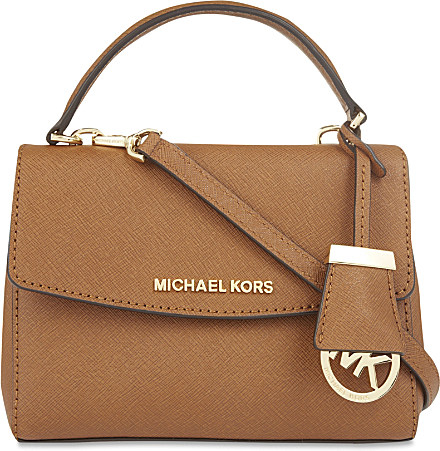 b0f640e87602 Gallery. Previously sold at  Selfridges · Women s Bag Charms Women s Cross  Body Bags Women s Michael Kors ...