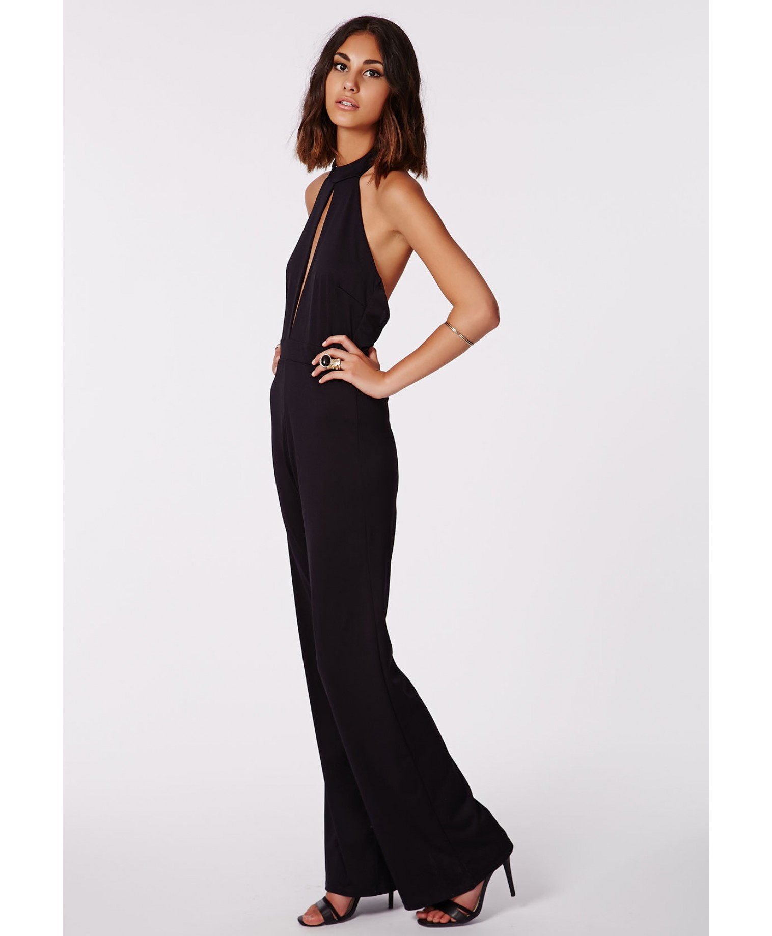 7a56a8e4adf Missguided Milka Black Halterneck Keyhole Jumpsuit in Black - Lyst