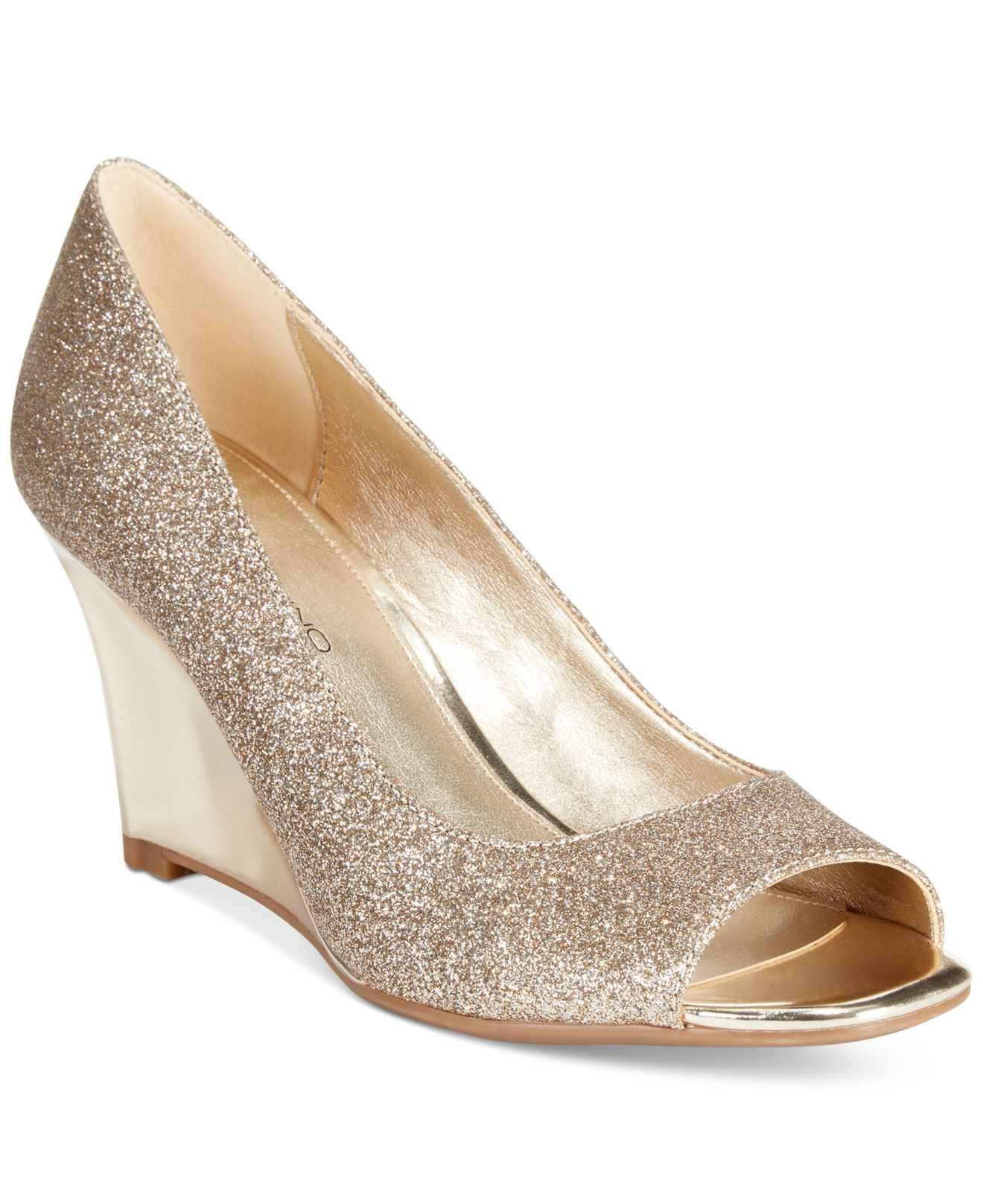 The largest selection of women's shoes, from sandals to heels, casual to formal.