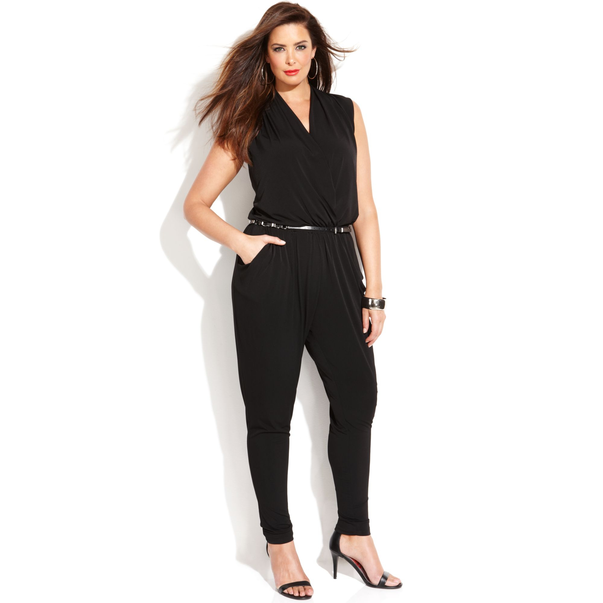 Shop for women's jumpsuits online at dirtyinstalzonevx6.ga Find the latest fashion jumpsuits, sexy rompers and bodysuits. High quality with affordable prices. 10% off 1st order.