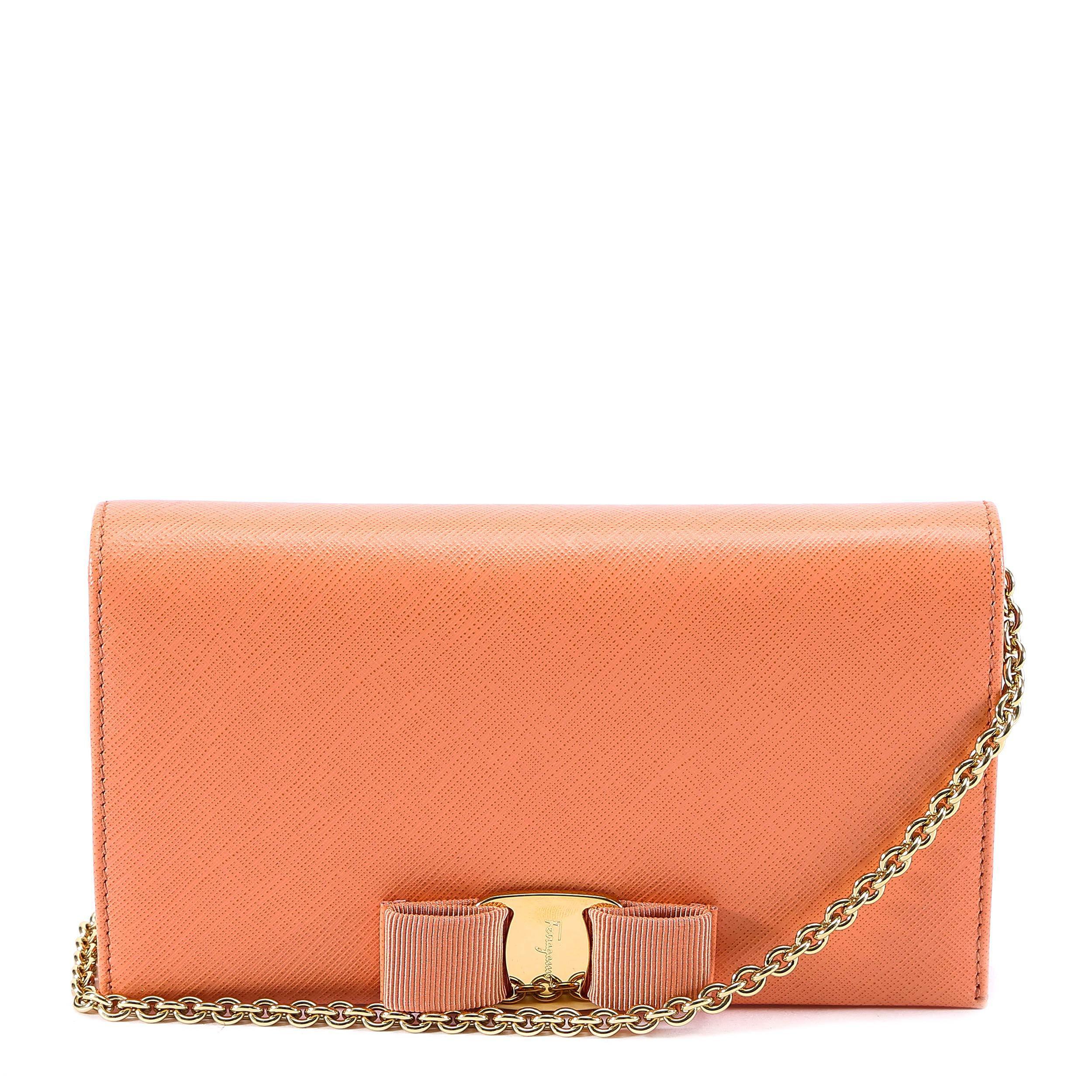 35e599b6f31d Ferragamo Vara Wallet On Chain in Orange - Lyst