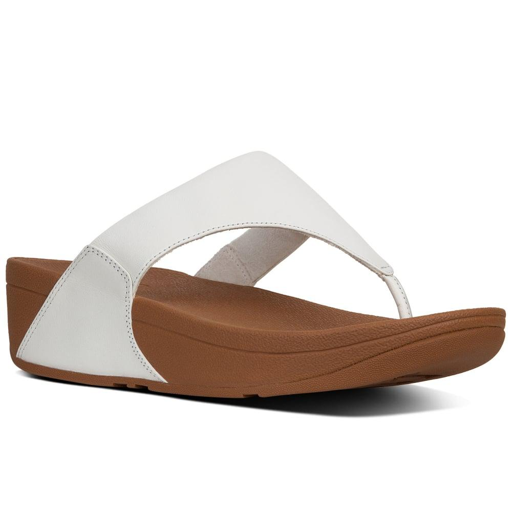 9c7771e3551f Fitflop Lulu Leather Womens Toe Post Sandals in White - Lyst